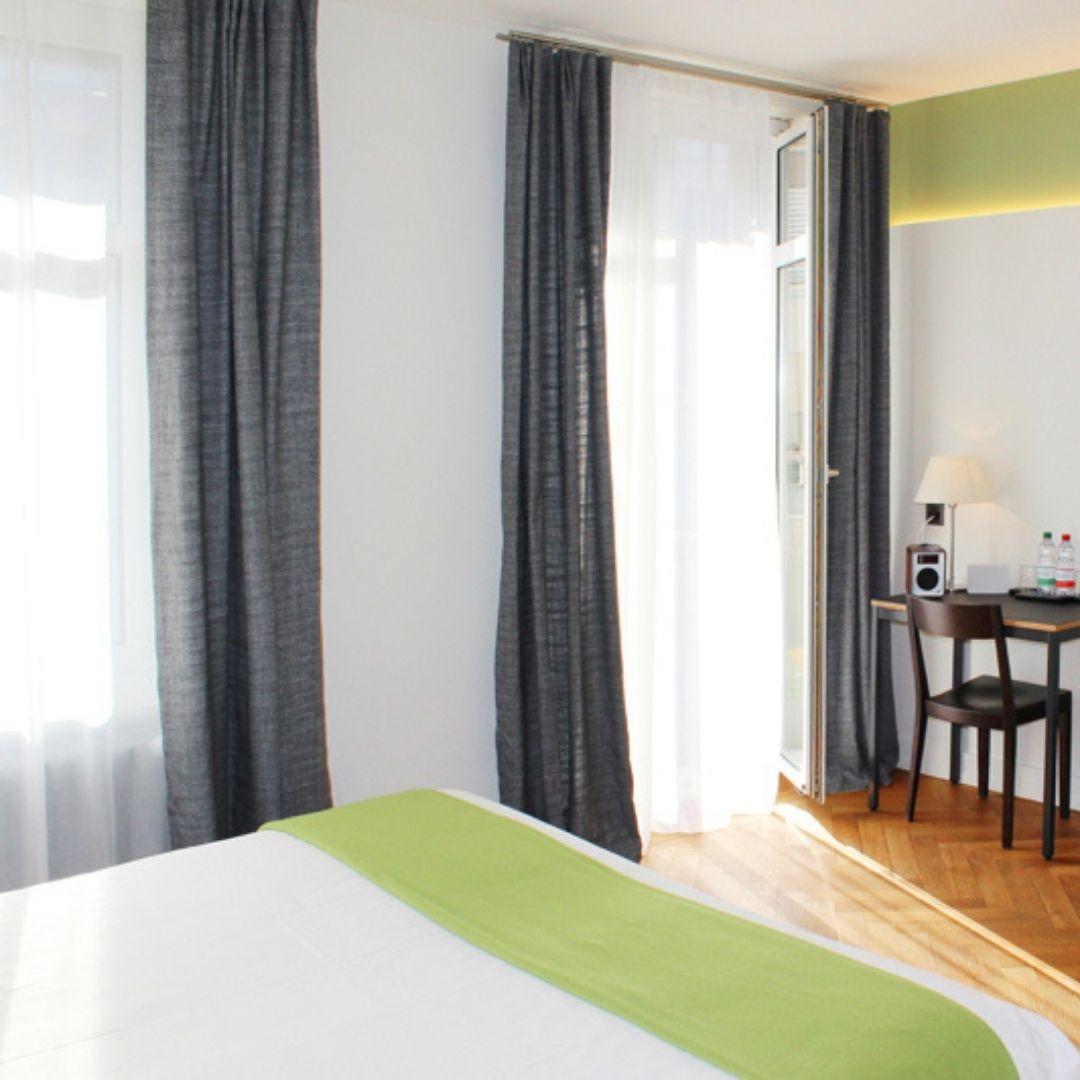 premium-balcony-room-window